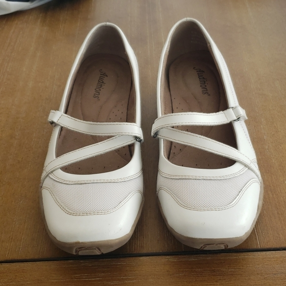 AUDITIONS WALKING SHOE